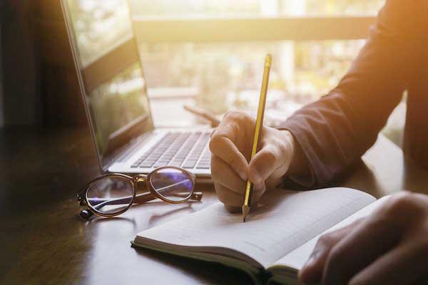 Content Writer cần có nhiều kỹ năng liên quan đến đọc và viết